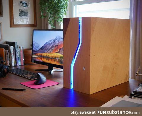 This wooden PC case design