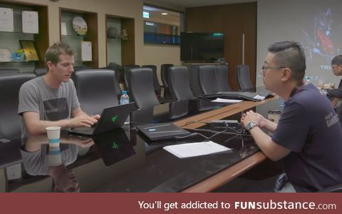 Linus the type of guy to bring a Razer laptop to the HQ of MSI