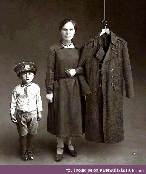 Post WWI family portrait
