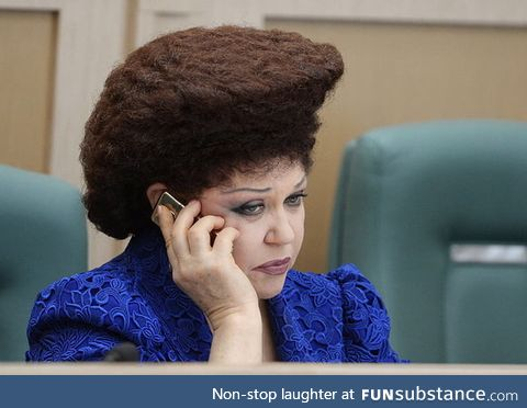 This Russian Karen wants to talk to your Supreme Commander