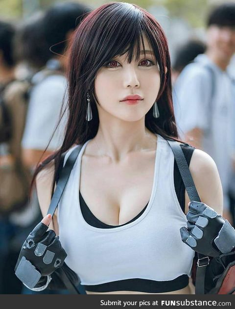 Tifa Lockhart cosplay by cosmicrabbit