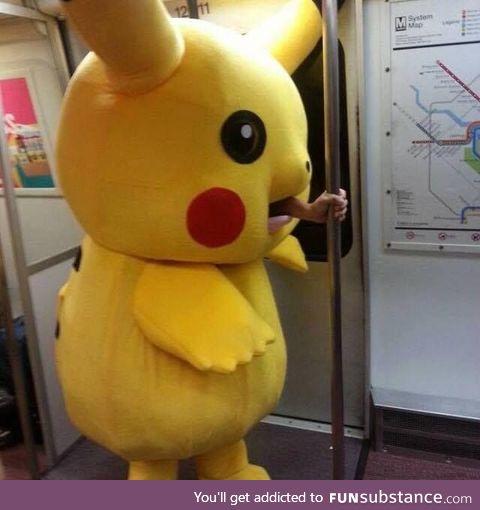 Pikachu pukes