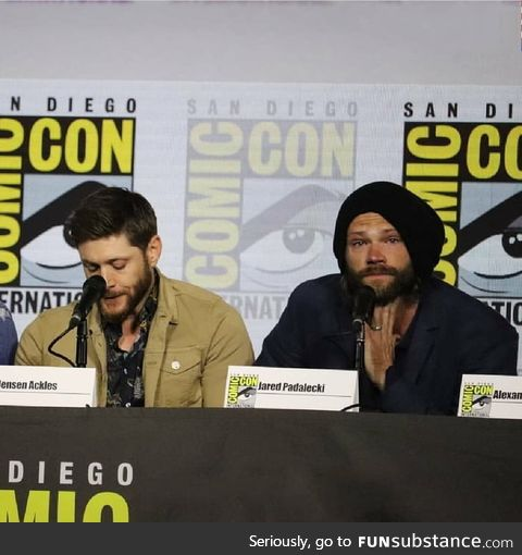 Jensen Ackles and Jared Padalecki cried in comic Con because supernatural will end in