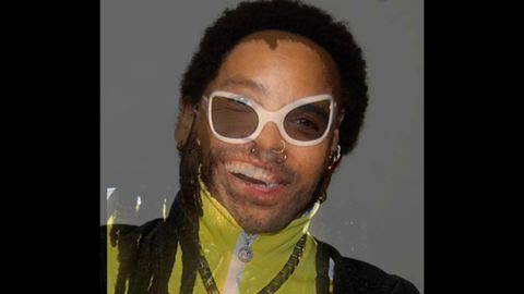 Lenny Kravitz - Fly Away but absolutely nothing is strange at all