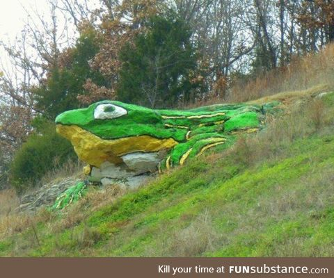 Froggo Fren #66 - Frog Rock