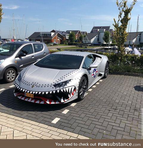 Lamborghini hurashark