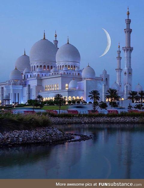 Mezquita en Abu Dhabi, Emiratos Árabes