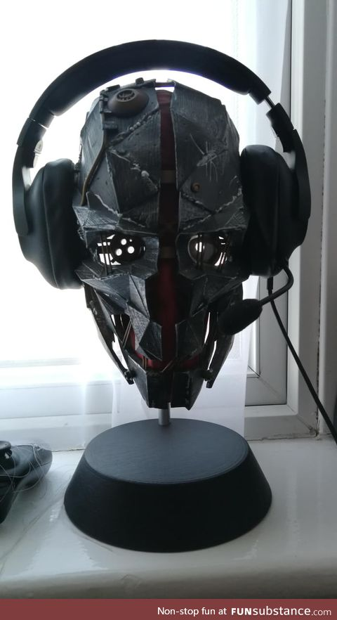 If we're showing headset stands