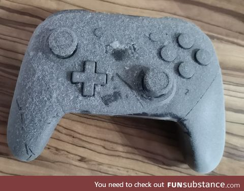A friend found his lost controller