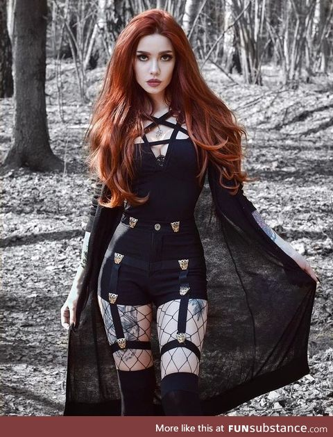 Daily Dose of Goth Girls #7: ann.siren (IG)