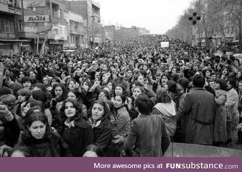 Picture of women protesting against the forced use of the hijab after the revolution of