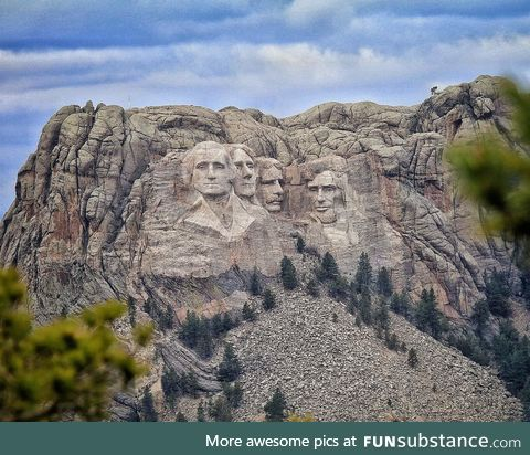 A rare distant look at Mt Rushmore