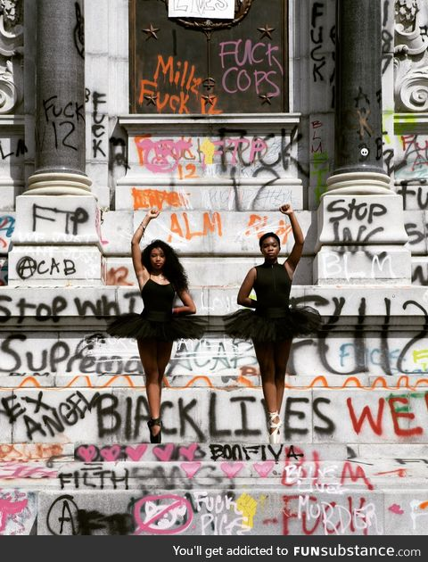 14-year-old ballerinas pose in front of the Robert E. Lee monument ordered to be removed