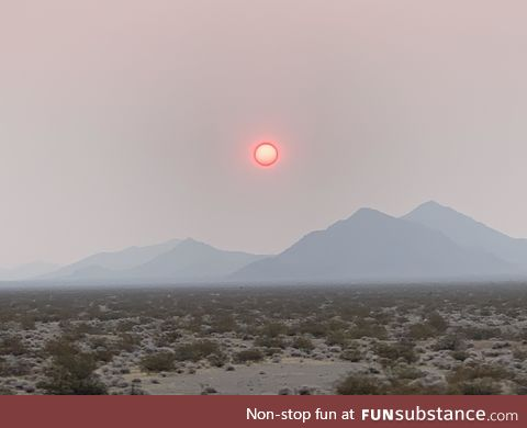 (OC) Mohave desert around 0730 behind 29 palms. Looks like a completely different planet