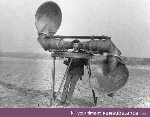 The machine that Netherlands army used to detect if the enemy airplanes are approaching