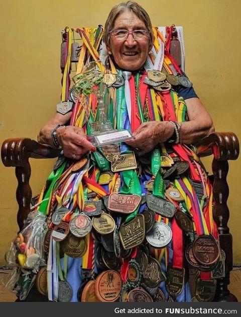 83 years,30 years of sports career, 320 Medals!! Elvia Navas!!