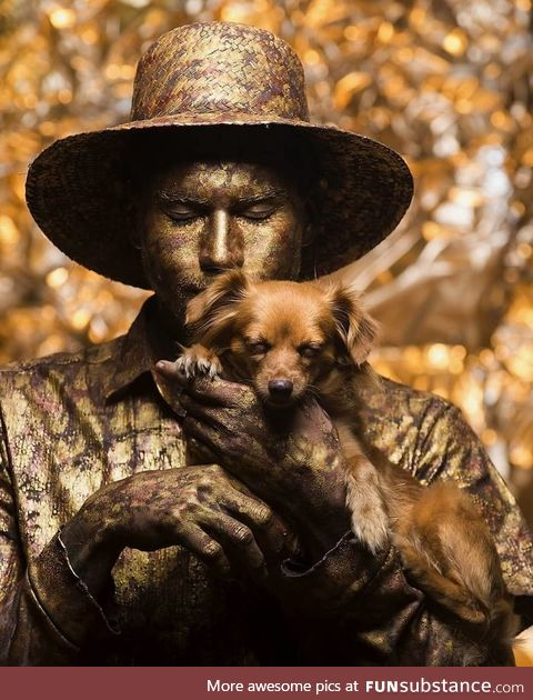 The Venezuelan street performer Yorge and his dog Jasper