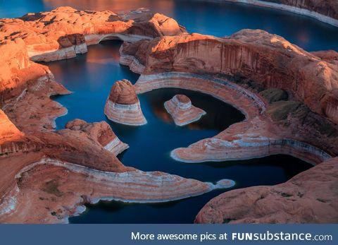 Reflection canyon, lake powell, arizona