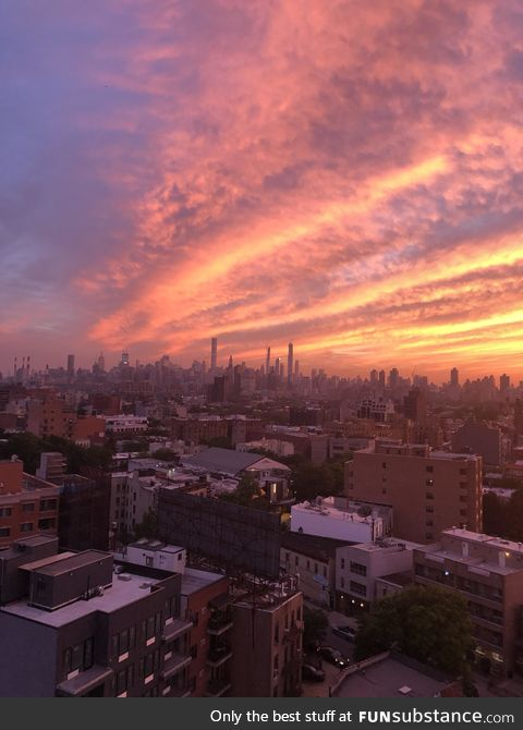 The sky over Manhattan would've made Bob Ross proud