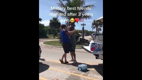 Military Friends Reunited After 3 Years Apart (WholesomeSubstance)
