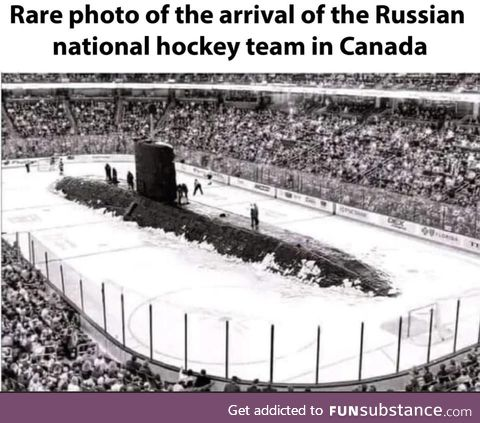 Rare photo of the arrival of the Russian national hockey team in Canada 1972